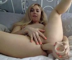 Cute blonde shemale fuck her asshole..