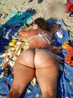 Big ass girls on the beach, hot booty..