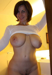 big-boobs-amateur-wife-shaved-chimps-retro