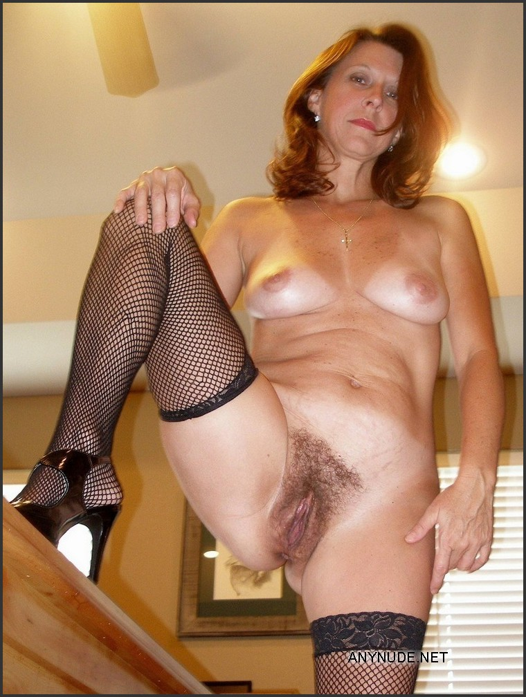 Mature naked women in stockings