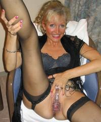 Real mature ladies caught nude pics