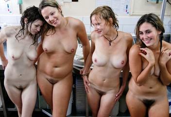 Frauengruppe Nackt